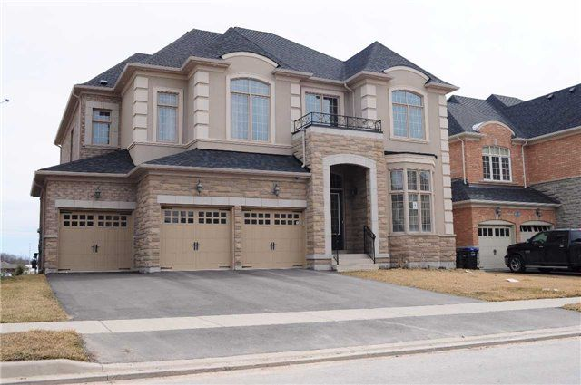 Main Photo: 6 Agincourt Circ in Brampton: Credit Valley Freehold for sale : MLS®# W3437907