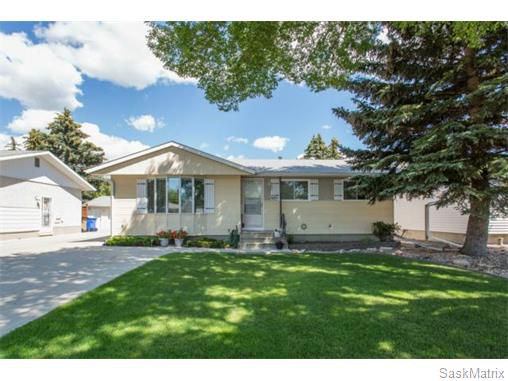 Main Photo: 409 GARNET STREET N in Regina: Coronation Park Single Family Dwelling for sale (Regina Area 03)  : MLS®# 579757
