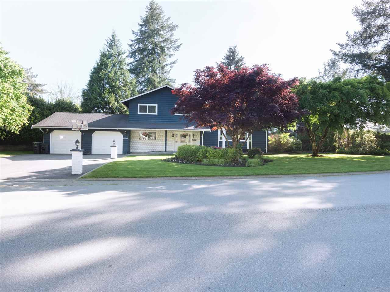 Main Photo: 19749 N WILDWOOD CRESCENT in Pitt Meadows: South Meadows House for sale : MLS®# R2338801