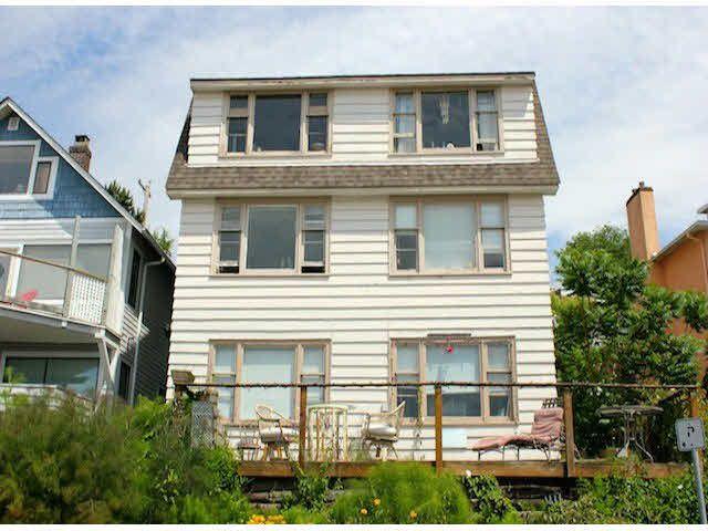 "Main Photo: 15156 VICTORIA Avenue: White Rock House Fourplex for sale in ""WHITE ROCK"" (South Surrey White Rock)  : MLS®# F1418007"
