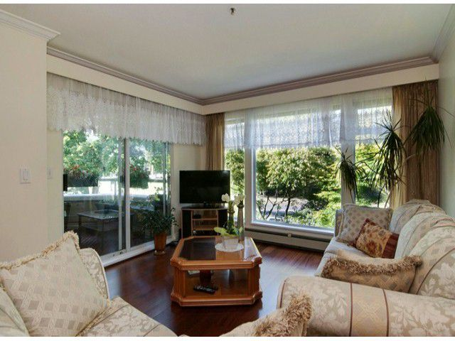 Main Photo: # 18 2130 MARINE DR in West Vancouver: Dundarave Condo for sale : MLS®# V1085222