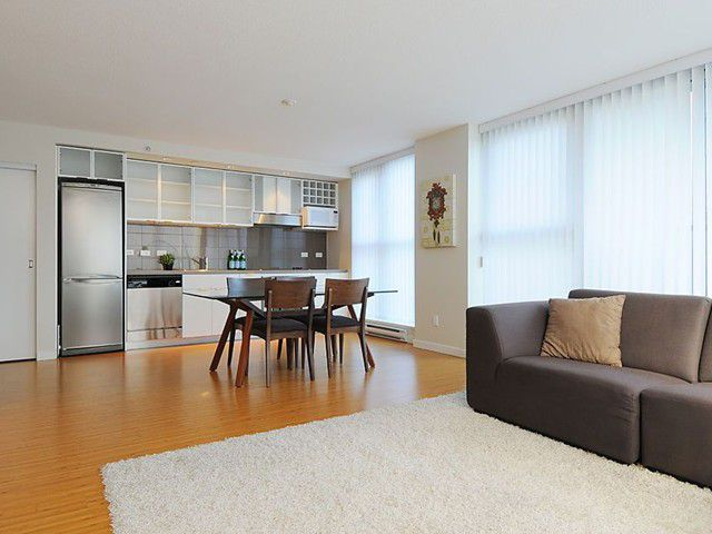"Main Photo: # 701 168 POWELL ST in Vancouver: Downtown VE Condo for sale in ""SMART"" (Vancouver East)  : MLS®# V974986"