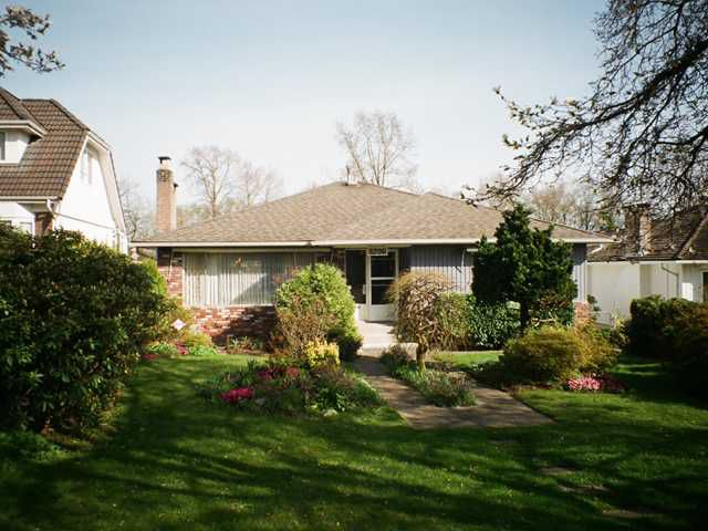 Main Photo: 8206 ELLIOTT Street in Vancouver: Fraserview VE House for sale (Vancouver East)  : MLS®# V999257