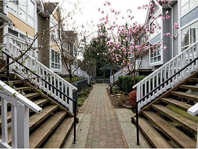 "Main Photo: 8 1015 LYNN VALLEY Road in North Vancouver: Lynn Valley Townhouse for sale in ""River Rock"" : MLS®# V1007505"