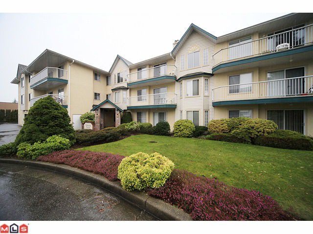 Main Photo: #202 2567 Victoria St. in Abbotsford: Abbotsford West Condo for rent
