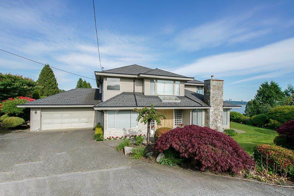 Main Photo: 1730 26th Street in West Vancouver: Dundarave House for sale : MLS®# R2375984