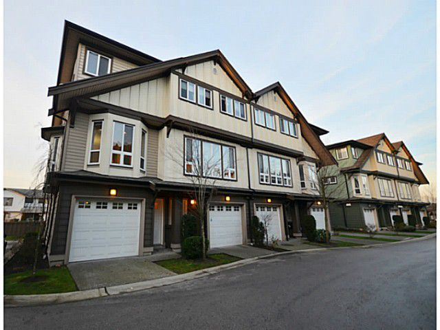"""Main Photo: 4 160 PEMBINA Street in New Westminster: Queensborough Townhouse for sale in """"EAGLE CREST ESTATES"""" : MLS®# V984672"""