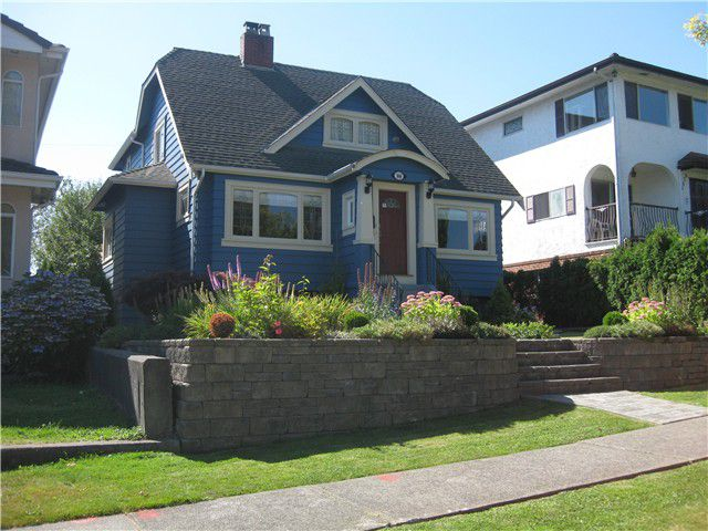 Main Photo: 3036 KITCHENER ST in Vancouver: Renfrew VE House for sale (Vancouver East)  : MLS®# V1054364