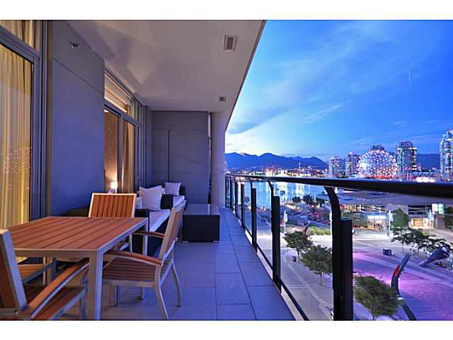 Main Photo: # 604 1625 MANITOBA ST in Vancouver: False Creek Condo for sale (Vancouver West)  : MLS®# V1073521