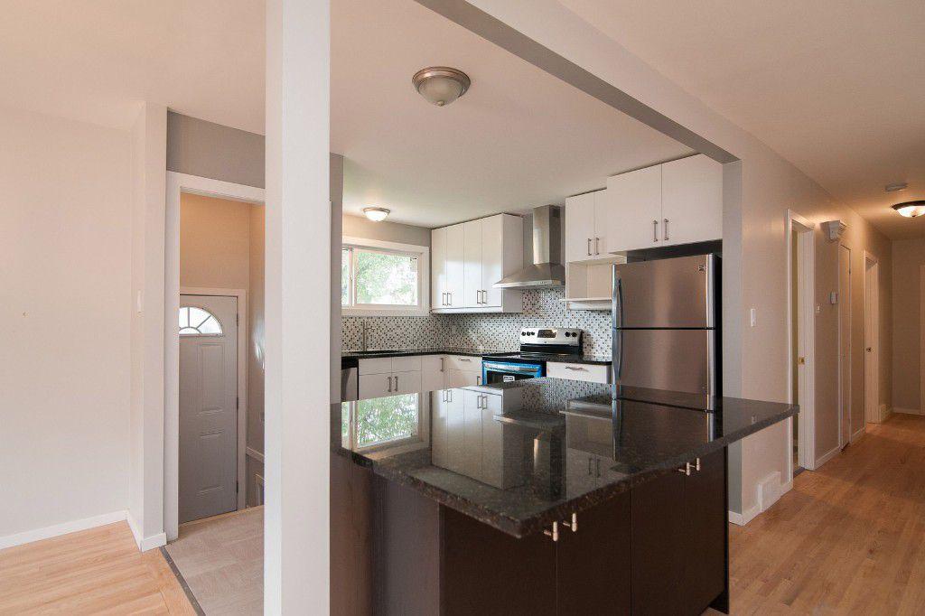 Photo 5: Photos: 857 Borebank Street in Winnipeg: Single Family Detached for sale : MLS®# 1424441