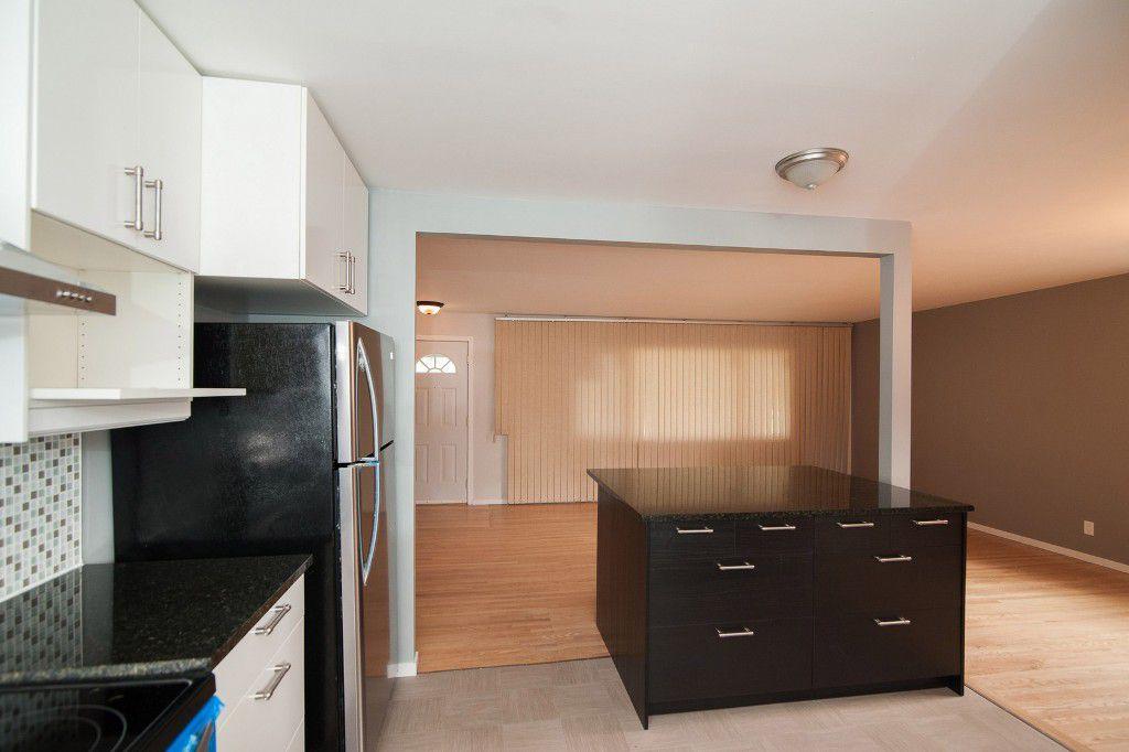 Photo 8: Photos: 857 Borebank Street in Winnipeg: Single Family Detached for sale : MLS®# 1424441