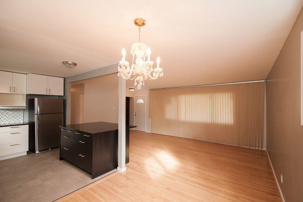 Photo 4: Photos: 857 Borebank Street in Winnipeg: Single Family Detached for sale : MLS®# 1424441