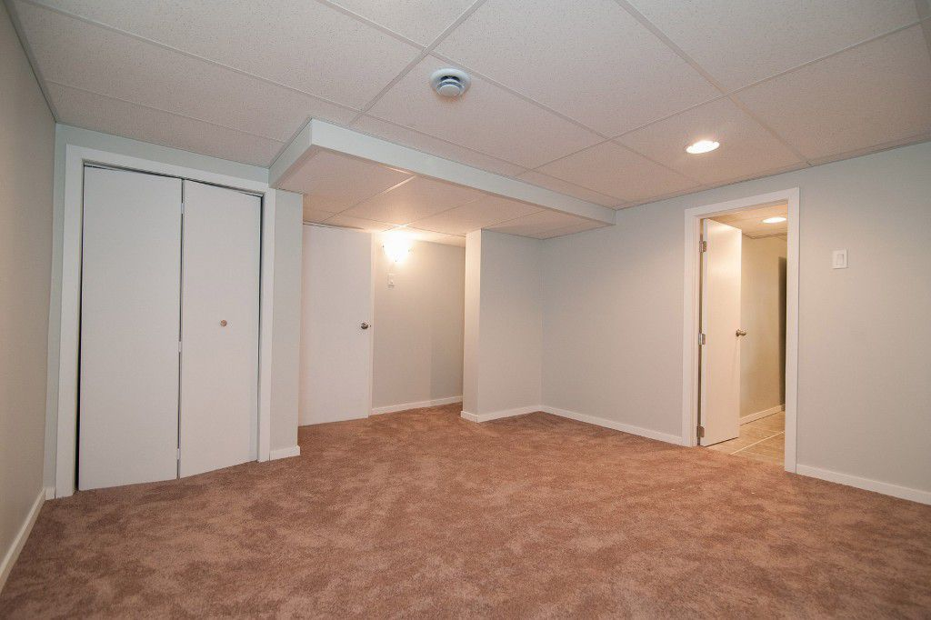 Photo 18: Photos: 857 Borebank Street in Winnipeg: Single Family Detached for sale : MLS®# 1424441