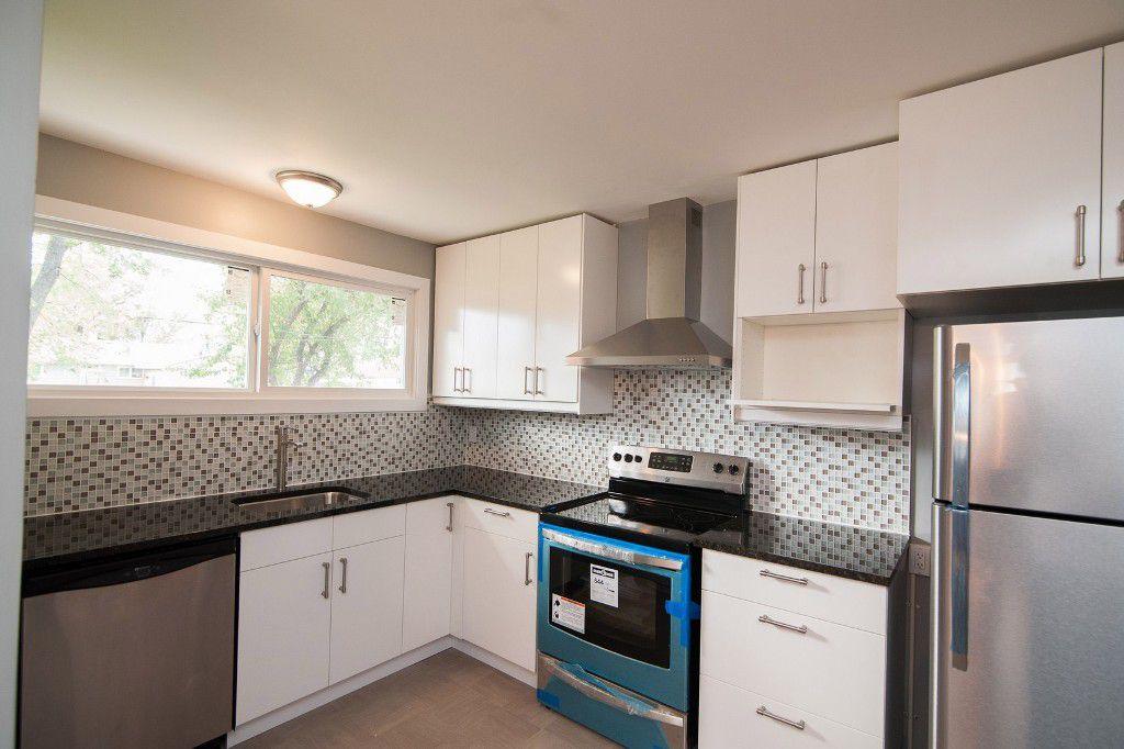 Photo 7: Photos: 857 Borebank Street in Winnipeg: Single Family Detached for sale : MLS®# 1424441