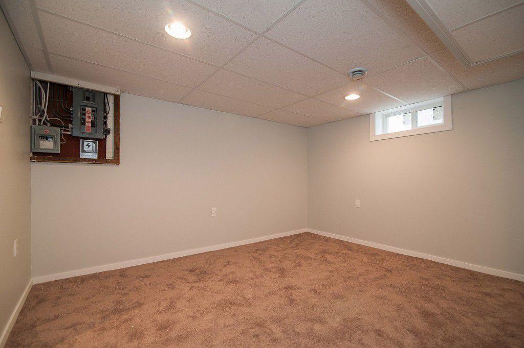 Photo 19: Photos: 857 Borebank Street in Winnipeg: Single Family Detached for sale : MLS®# 1424441