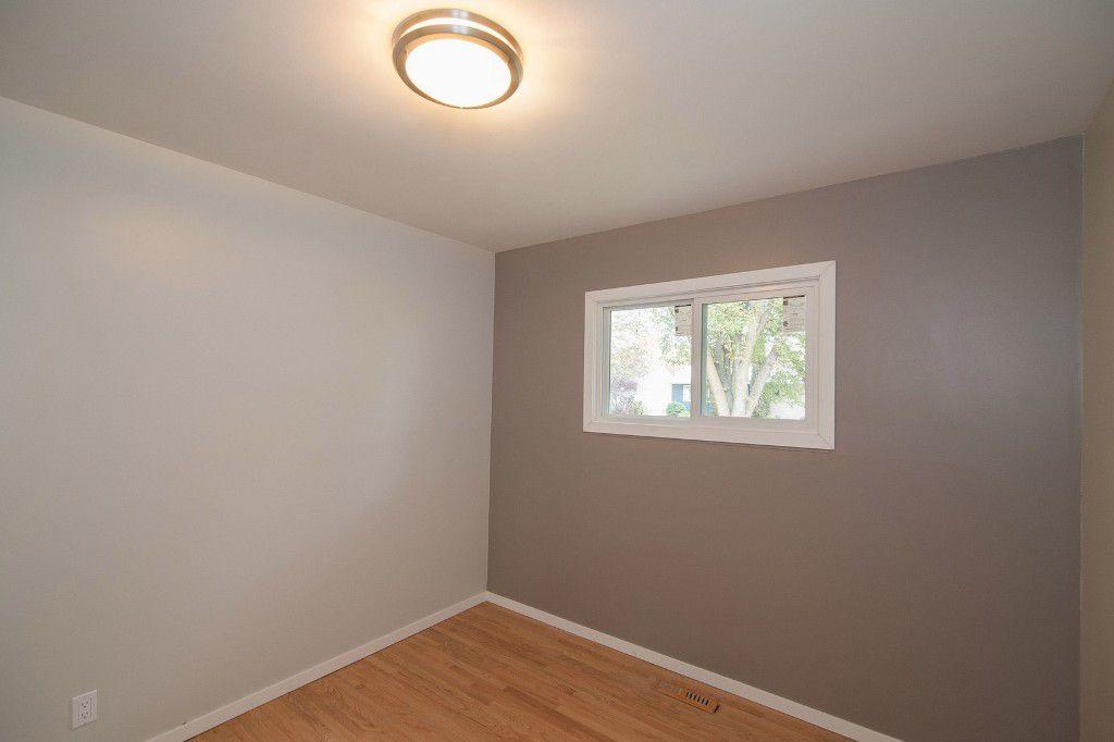 Photo 14: Photos: 857 Borebank Street in Winnipeg: Single Family Detached for sale : MLS®# 1424441
