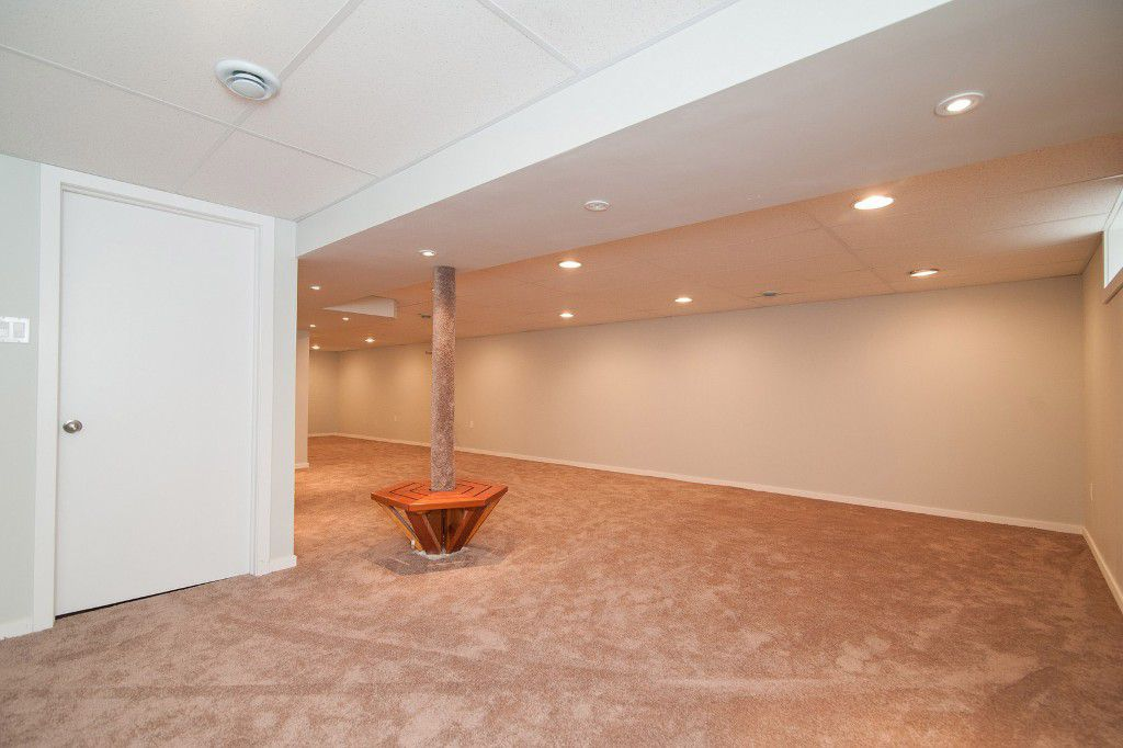 Photo 16: Photos: 857 Borebank Street in Winnipeg: Single Family Detached for sale : MLS®# 1424441