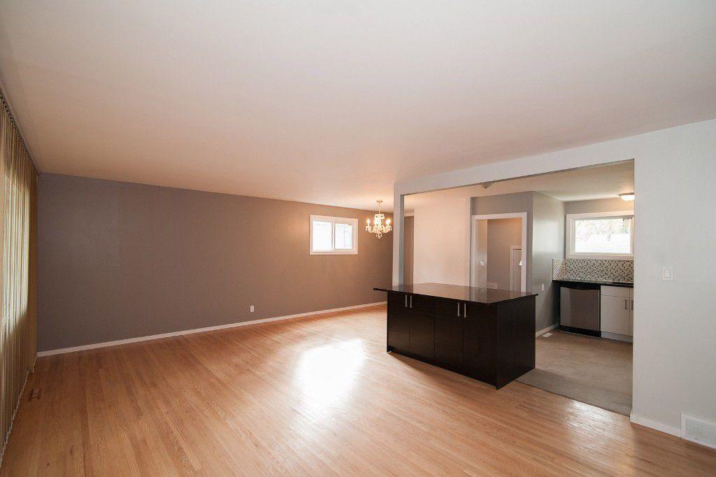 Photo 2: Photos: 857 Borebank Street in Winnipeg: Single Family Detached for sale : MLS®# 1424441