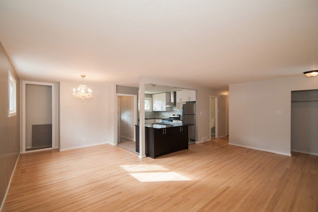 Photo 3: Photos: 857 Borebank Street in Winnipeg: Single Family Detached for sale : MLS®# 1424441