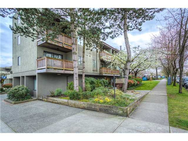 Main Photo: # 220 1202 LONDON ST in New Westminster: West End NW Condo for sale : MLS®# V1114327