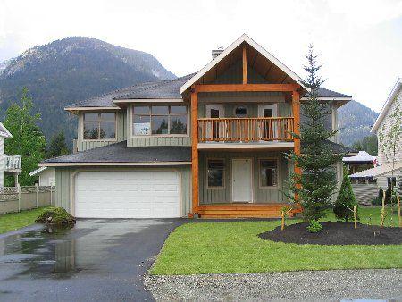 Main Photo: New Home