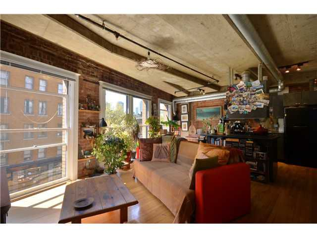 """Main Photo: 404 27 ALEXANDER Street in Vancouver: Downtown VE Condo for sale in """"THE ALEXIS AND ALEXANDER"""" (Vancouver East)  : MLS®# V955790"""