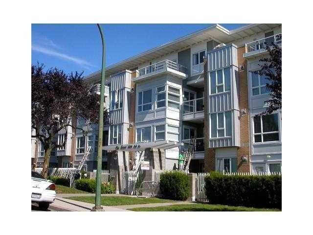 """Main Photo: PH3 6198 ASH Street in Vancouver: Oakridge VW Condo for sale in """"THE GROVE"""" (Vancouver West)  : MLS®# V986968"""