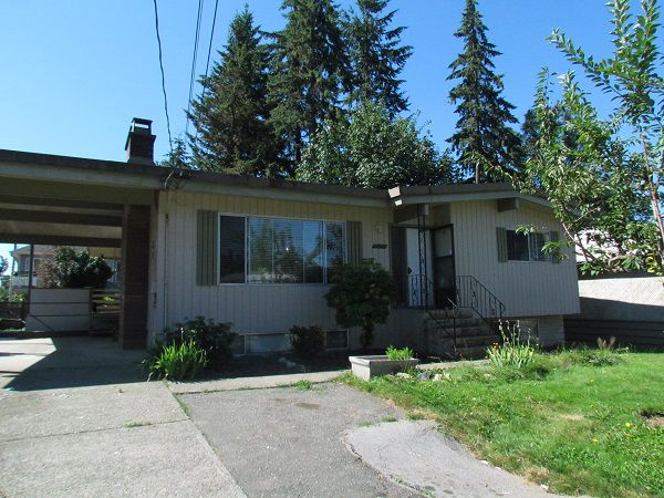 Main Photo: 32250 Pineview Avenue in Abbotsford: Central Abbotsford House for rent