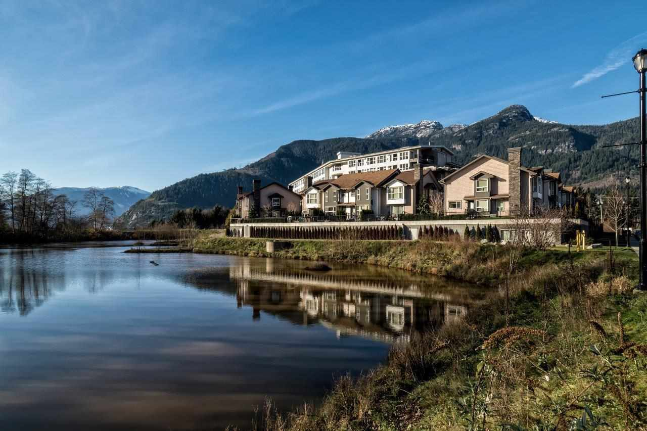Main Photo: 608 1212 MAIN STREET in Squamish: Downtown SQ Condo for sale : MLS®# R2011250