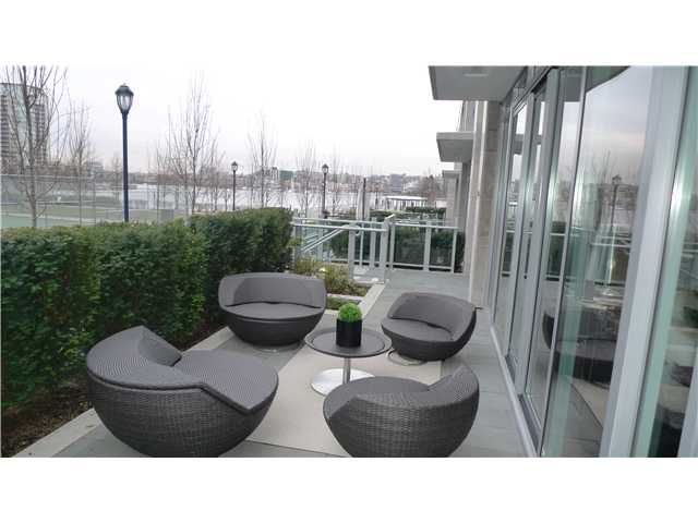 Main Photo: 288 N Beach Crescent in Vancouver: Yaletown Townhouse for sale (Vancouver West)
