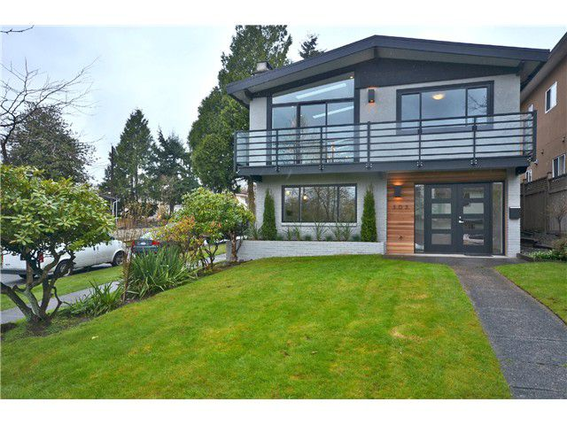 """Main Photo: 303 E 47TH Avenue in Vancouver: Main House for sale in """"MAIN"""" (Vancouver East)  : MLS®# V1002633"""