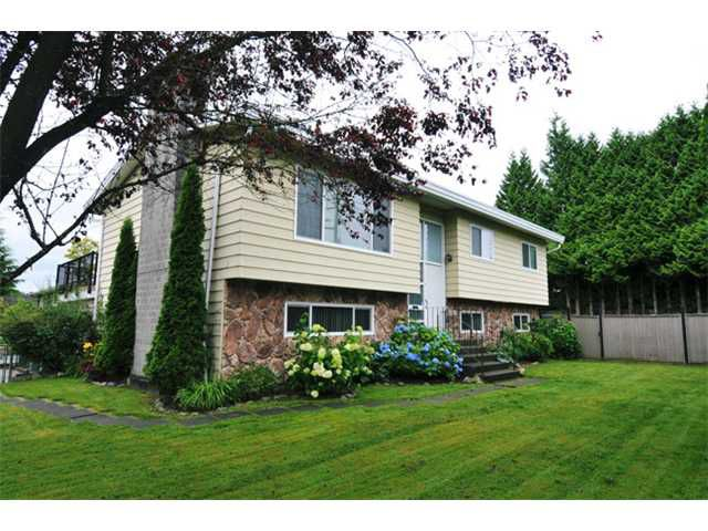 """Main Photo: 21950 DEWDNEY TRUNK Road in Maple Ridge: West Central House for sale in """"CENTRAL MAPLE RIDGE"""" : MLS®# V1015305"""