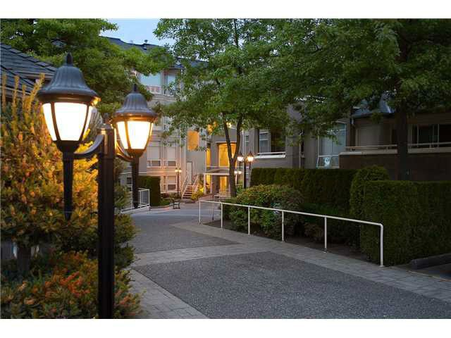 "Main Photo: 110N 1100 56TH Street in Tsawwassen: Tsawwassen East Condo for sale in ""ROYAL OAKS"" : MLS®# V1019596"