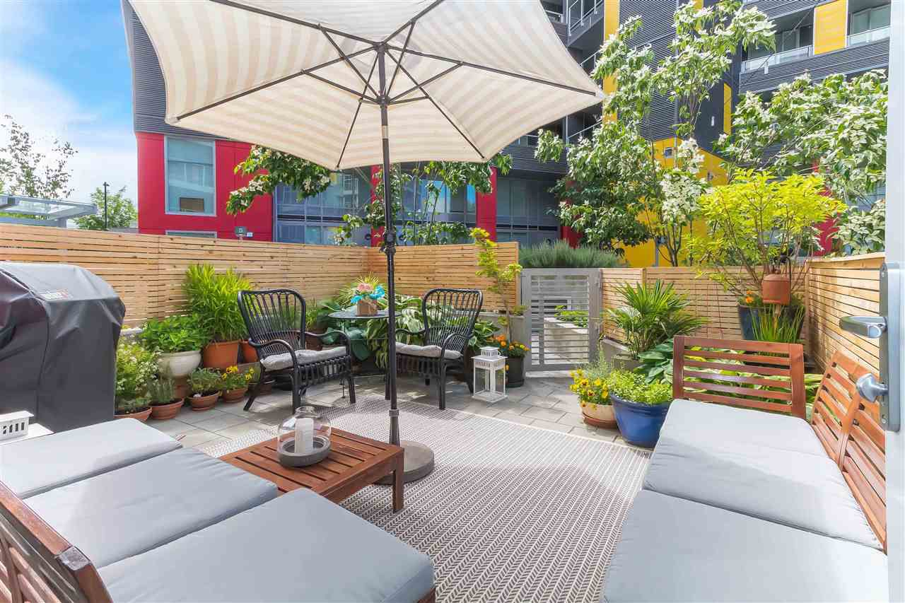 Main Photo: 201 384 E 1ST AVENUE in Vancouver: Mount Pleasant VE Condo for sale (Vancouver East)  : MLS®# R2281204