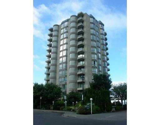 "Main Photo: 101 2280 BELLEVUE AV in West Vancouver: Dundarave Condo for sale in ""REGATTA POINT"" : MLS®# V573786"