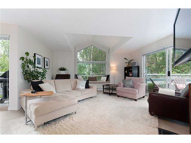 Main Photo: 401 1465 COMOX Street in Vancouver: West End VW Condo for sale (Vancouver West)  : MLS®# V957828