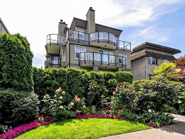 Main Photo: # 8 1966 YORK AV in Vancouver: Kitsilano Condo for sale (Vancouver West)  : MLS®# V1052422