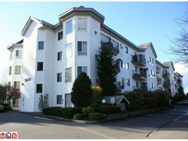 "Main Photo: 306 31831 PEARDONVILLE Road in Abbotsford: Abbotsford West Condo for sale in ""WESTPOINT VILLAS"" : MLS®# F1208399"