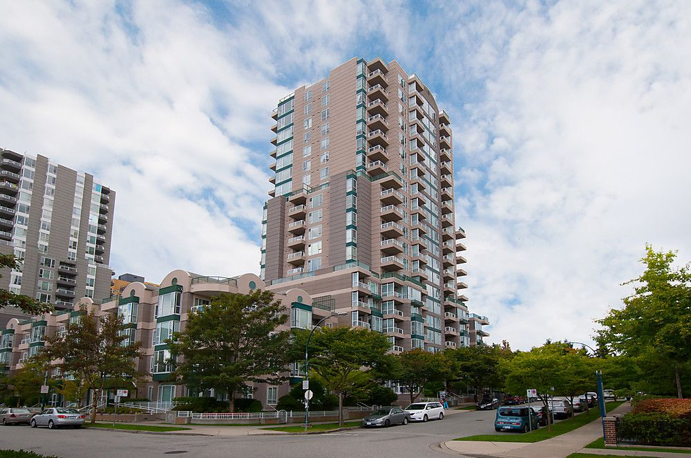 """Main Photo: # 909 5189 GASTON ST in Vancouver: Collingwood VE Condo for sale in """"THE MAEGREGOR"""" (Vancouver East)  : MLS®# V1026478"""