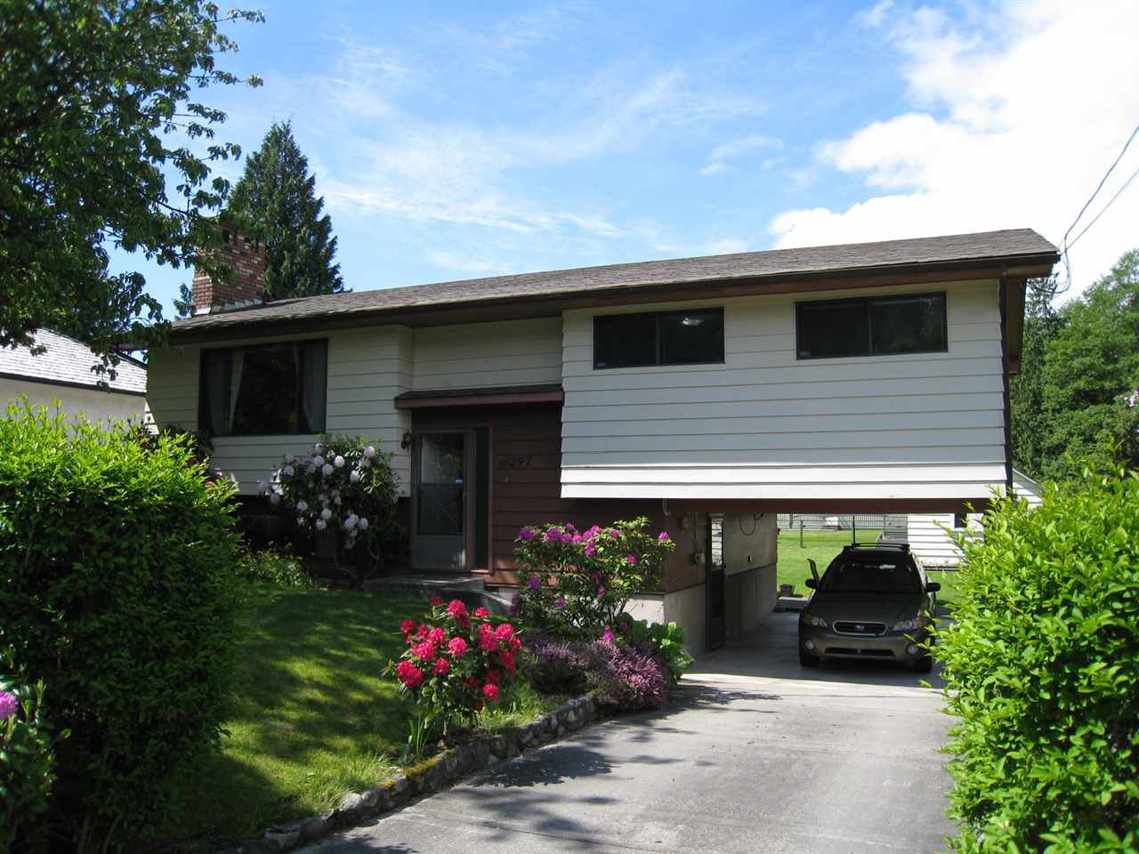 Main Photo: 297 BURNS ROAD in : Gibsons & Area House for sale : MLS®# R2142930