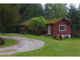 Main Photo: 1111 Crowe Road in Roberts Creek: House for sale : MLS®# V1122419