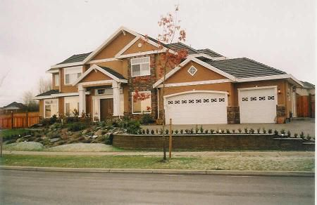 Main Photo: Absolutely Gorgeous Executive Home On 1/2 Acre