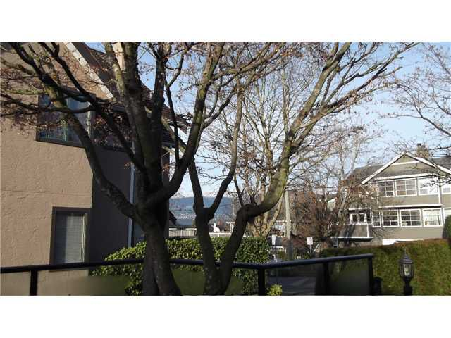 """Main Photo: 12 237 W 16TH Street in North Vancouver: Central Lonsdale Townhouse for sale in """"WINCHESTER GATE"""" : MLS®# V989548"""
