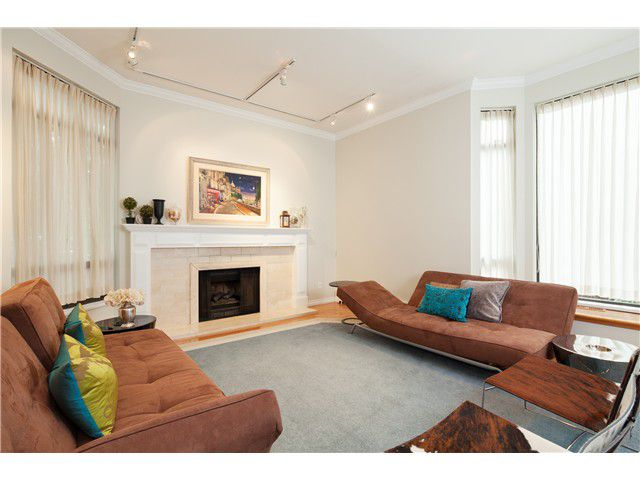 Main Photo: 5681 ELM ST in Vancouver: Kerrisdale Condo for sale (Vancouver West)  : MLS®# V1038928