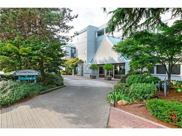 "Main Photo: 306 1345 W 4TH Avenue in Vancouver: False Creek Condo for sale in ""GRANVILLE ISLAND VILLAGE"" (Vancouver West)  : MLS®# V1079641"