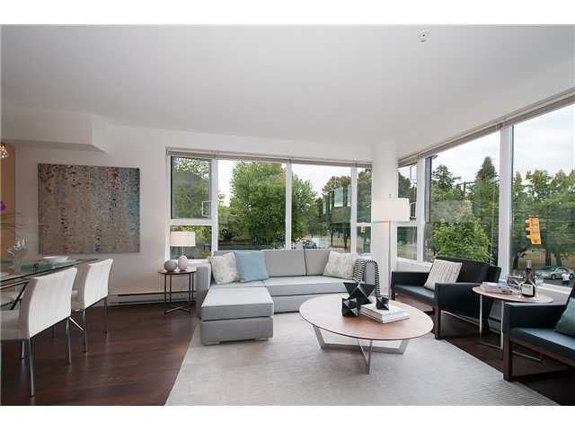 Main Photo: 201-1961 COLLINGWOOD ST in Vancouver: Kitsilano Townhouse for sale (Vancouver West)  : MLS®# V1082515