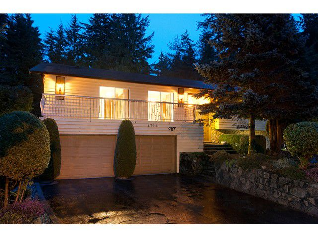 Main Photo: 1758 DRAYCOTT Place in North Vancouver: Lynn Valley House for sale : MLS®# V938797