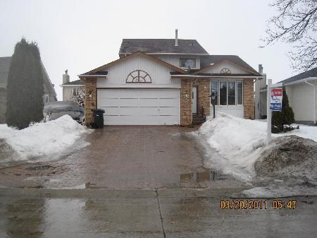 Main Photo: 23 CHOCHINOV AVE: Residential for sale (Canada)  : MLS®# 1104533