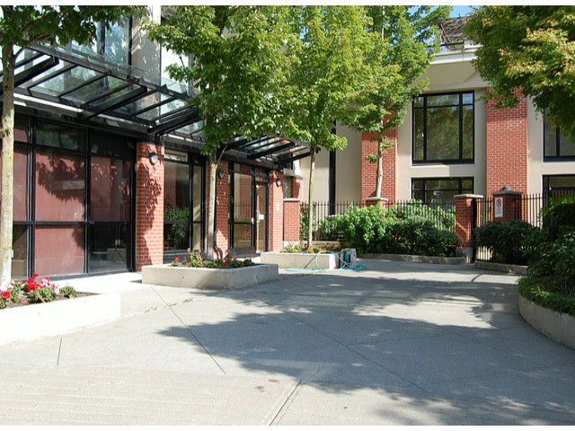 Main Photo: 1601 610 Victoria Street: Condo for sale : MLS®# V1081668