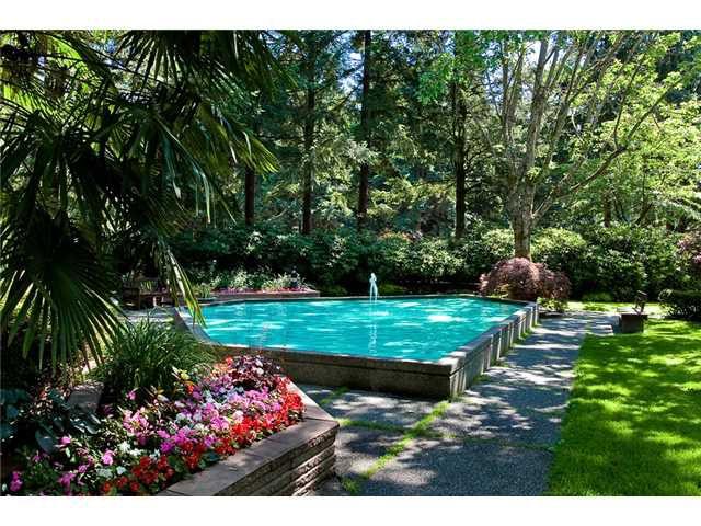 "Main Photo: 202 2004 FULLERTON Avenue in North Vancouver: Pemberton NV Condo for sale in ""Woodcroft"" : MLS®# V1001809"